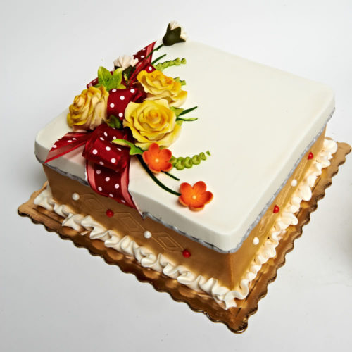 bday cake with flower